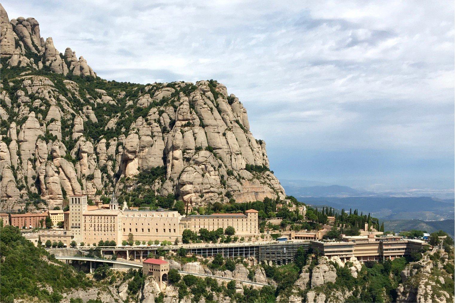 Santa Maria de Montserrat Abbey. Монастырь Монсеррат. Испания.