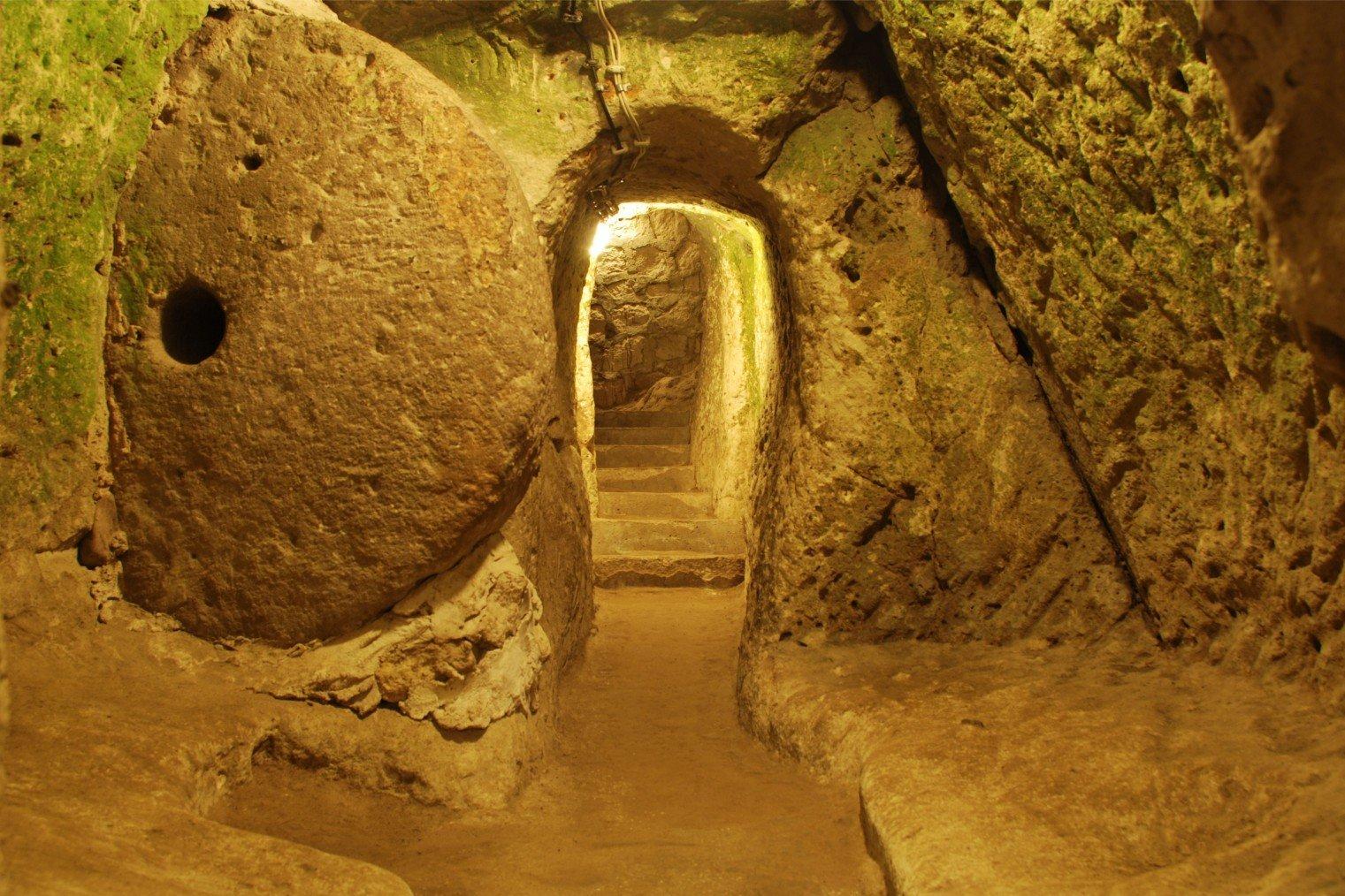 Деринкую - подземный город, Турция. Derinkuyu, Turkey