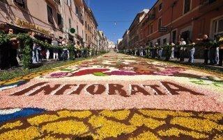 Infiorata, Genzano di Roma, Italy. Фестиваль цветов в Дженцано-ди-Рома.
