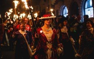 Lewes Bonfire, UK. Ночь костров в Льюис, Великобритания.