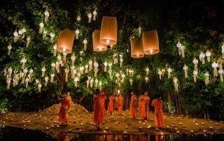 Loi Krathong in Chiang Mai, Thailand. Лой Кратонг в Чиангмай, Таиланд.