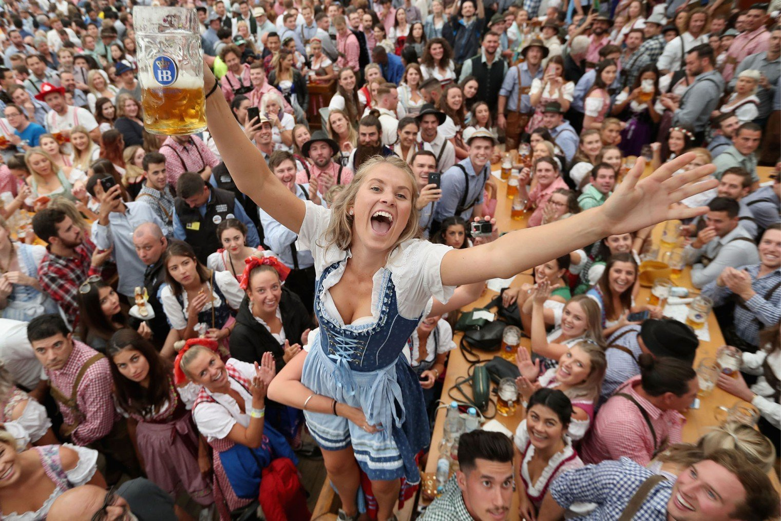 Oktoberfest, Munich, Germany. Октоберфест - фестиваль пива в Мюнхене.