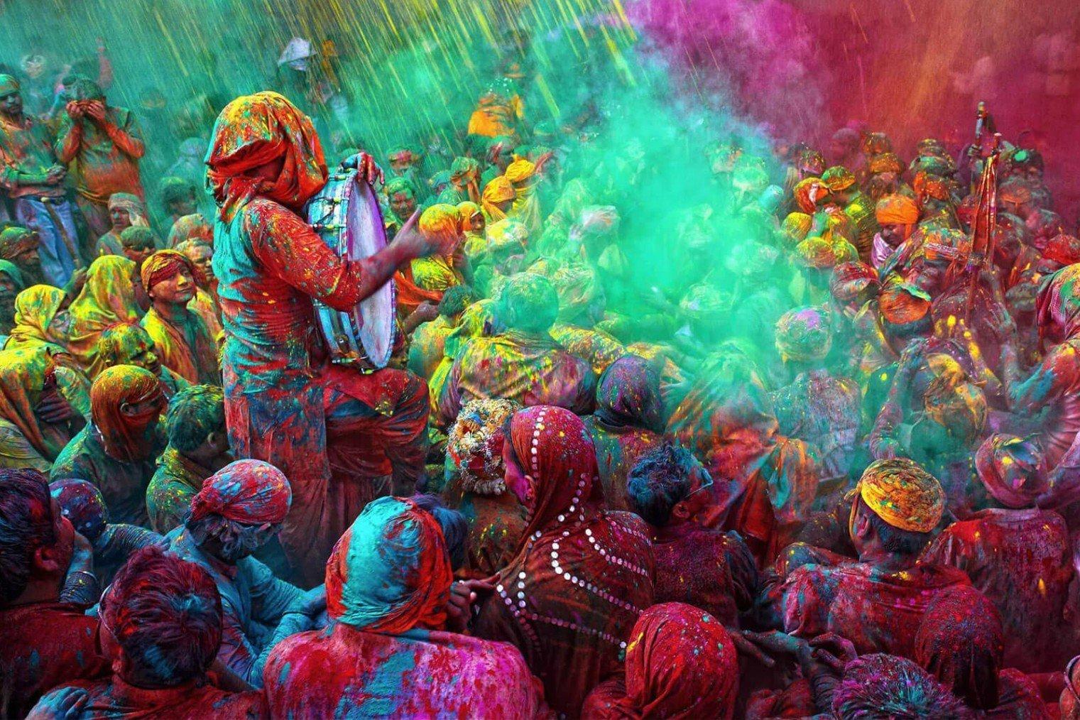 Holi - festival of colours, India. Холи - фестиваль красок