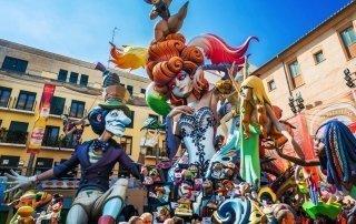 Las Fallas festival, Valencia. Фестиваль Фальяс, Валенсия