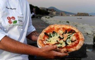 Pizza Fest. Pizza Village, Naples. Фестиваль пиццы в Неаполе.