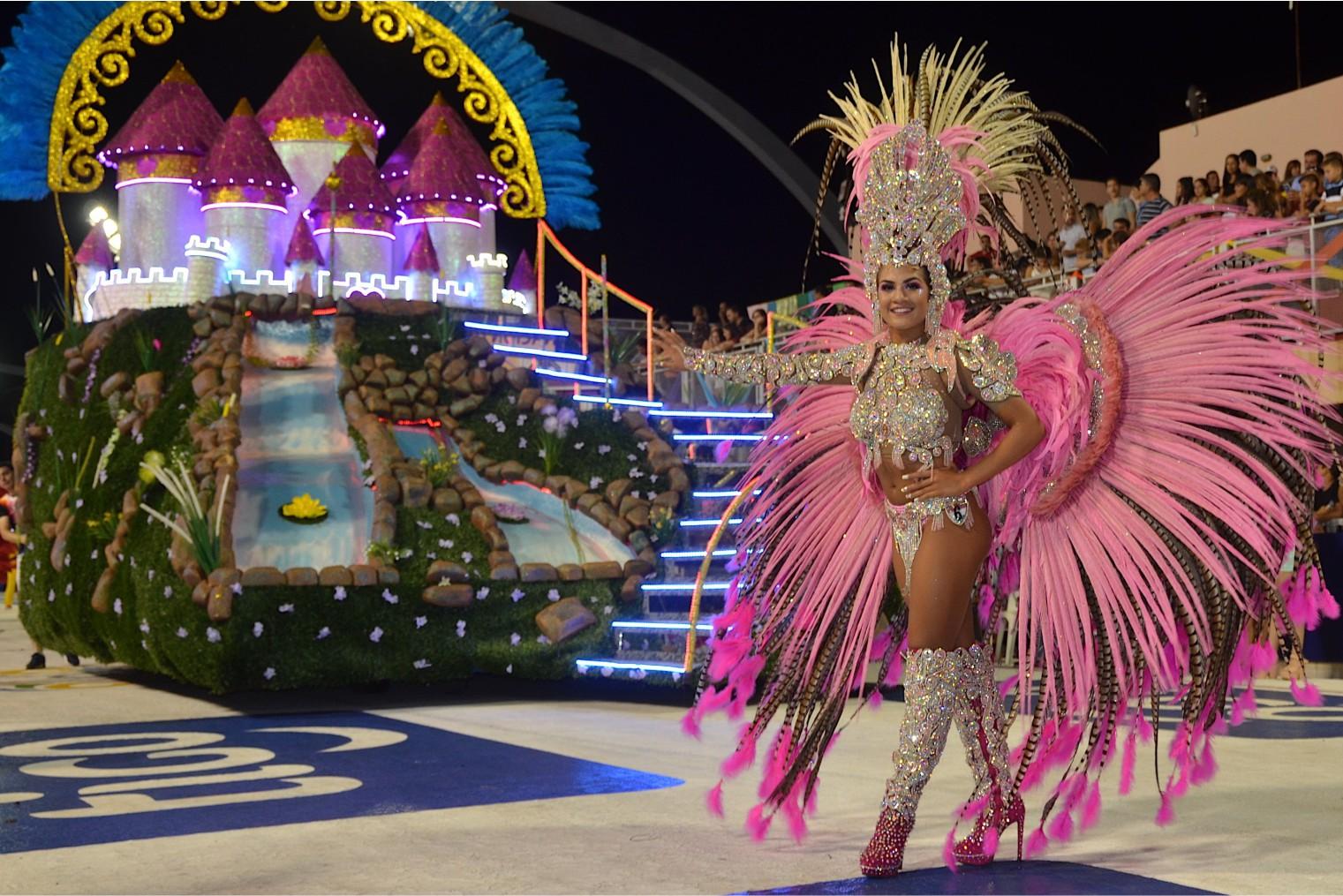 Carnival Encarnacion, travel. Карнавал в Энкарнасьон