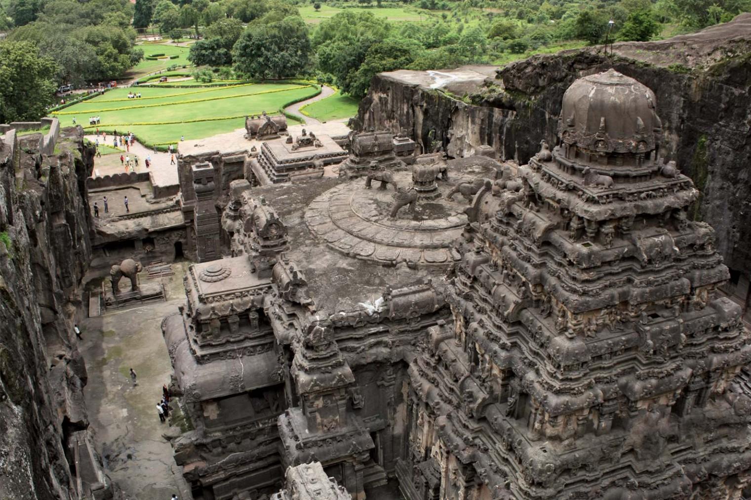 Ellora Caves. Kailasa temple. Travel. Пещеры Эллоры