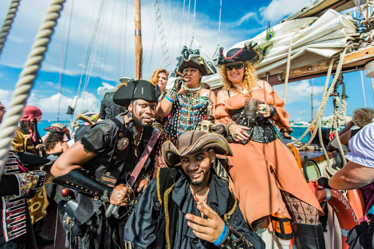 Pirates Week Festival Cayman Islands. Фестиваль Пиратов на Каймановых островах