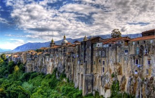 Sant'Agata de' Goti. Travel. Сант-Агата-де-Готи, туризм